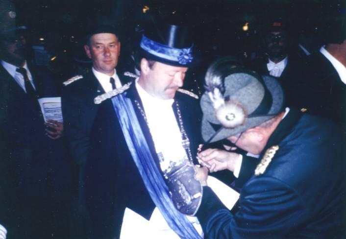 Berthold Lammert erhält vom Bundesvorstand den Orden des Vize-Bundeskönigs