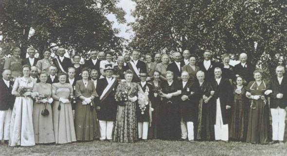 1951 Hofstaat